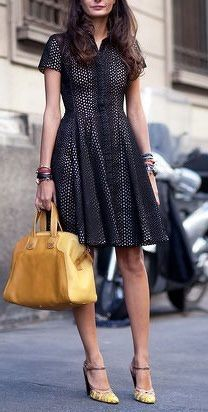 Newton shoots the stylish girls at Milan Fashion Week Spring Fashion Milan, Milan Fashion Week Street Style, Spring Street Style, Look Fashion, Spring Fashion, Womens Fashion, Fashion Trends, Dress Fashion, Fashion News