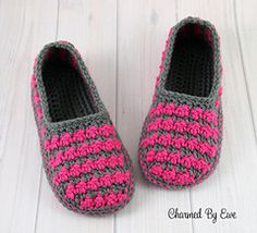 Sea Breeze Houndstooth Slippers PDF14-149 by Maria Bittner