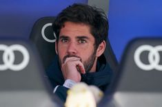 MADRID, SPAIN - APRIL Isco Alarcon of Real Madrid CF in the bench during the La Liga match between Real Madrid CF and Athletic Club at Estadio Santiago Bernabeu on April 2019 in Madrid, Spain. (Photo by Quality Sport Images/Getty Images) Real Madrid, Isco Alarcon, Best Football Players, Athletic Clubs, Sports Images, Workout Programs, Celebs, April 21, Fitness