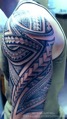 SEE MORE SAMOAN TRIBAL TATTOO ON SHOULDER