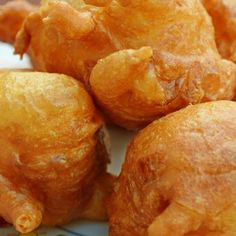 Homemade fried corn fritters just like my Mama use to make. Eat just like they are or drizzle with syrup for a delicious treat. Corn Fritter Recipes, Corn Recipes, Vegetable Recipes, Veggie Dishes, Appetizer Recipes, Snack Recipes, Cooking Recipes, Snacks, Recipes
