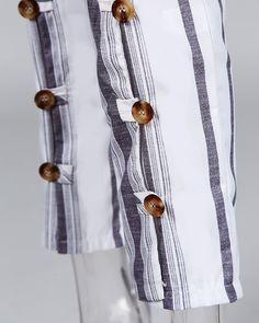 Mono Corto De Rayas A Rayas Con Detalle De Botones Online. Discover hottest trend fashion at chicme.com Trend Fashion, Womens Fashion Online, Pattern Fashion, Sleeve Styles, Trends, Amazing Women, Tassel Necklace, Buttons, Vestidos