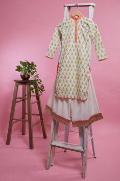 Buy Block Print Kurta Set by Vikram Phadnis - Kids at Aza Fashions Vikram Phadnis, Kids Indian Wear, Wear Store, Groom Wear, Wedding Wear, Kids Fashion, Fashion Design, Designer Wear, Traditional Outfits