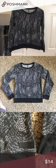 Calvin Klein performance thermal top NWOT Calvin Klein Performance long sleeve thermal top in a cool snake print. This is a great layering piece. Calvin Klein Collection Tops Sweatshirts & Hoodies