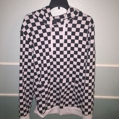 Forever 21 Men's Checkered Pullover Hoodie Mens LG Size men's large pullover hoodie. Unfortunately I am not doing trades on this item, but feel free to make an offer :) Forever 21 Tops Sweatshirts & Hoodies