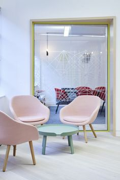 Hay – fauteuils About A Lounge et – design Hee Welling Corporate Interiors, Office Interiors, Commercial Design, Commercial Interiors, Glass Office, Office Workspace, Office Spaces, Workplace Design, Inspiration Wall