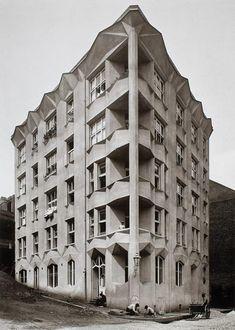 Josef Chochol; Mietshaus in der Neklan-Straße in Prag, 1913, Reprofoto. Foto: UPM-Kunstgewerbemuseum Prag