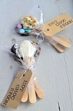 DIY hot chocolate spoons (great gifts and sticking stuffers)