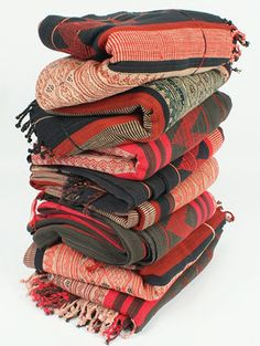 loadedtrunk.com, burmese throws