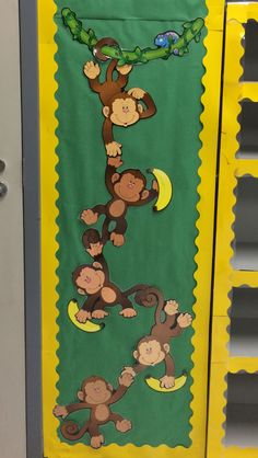 Simple & Fun Rocket Craft For Kids Preschool Jungle, Jungle Crafts, Preschool Door, Preschool Classroom, Classroom Themes, Jungle Classroom Door, Forest Classroom, Jungle Bulletin Boards, Infant Classroom