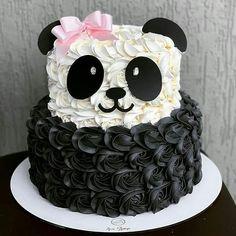 Cake Decorating Frosting, Cake Decorating Designs, Creative Cake Decorating, Birthday Cake Decorating, Panda Birthday Cake, Beautiful Birthday Cakes, Cakes For Birthday, Birthday Cake Designs, Birthday Cakes Girls Kids