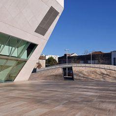 Fotos: #Porto - Casa da #Música, Cais de #Gaia, Mercado Ferreira Borges, Museu de Serralves, Planetário; Lisboa - Casa das Histórias; Berlim - Praça Sony