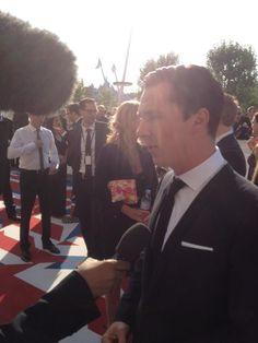 Benedict Cumberbatch at BAFTAs pic.twitter.com/wyOi8TDS