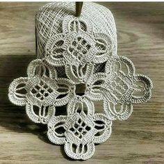 Easiest Crochet Frills Border Ever! Crochet Coaster Pattern, Crochet Square Patterns, Crochet Blocks, Crochet Squares, Crochet Motif, Crochet Designs, Lace Doilies, Crochet Doilies, Crochet Flowers