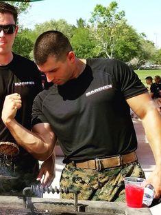 Army Men, Men In Uniform, Muscle, Mens Tops, T Shirt, Image, Car, Fashion, Supreme T Shirt