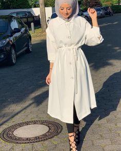 3 or 4 ? Modest Fashion Hijab, Casual Hijab Outfit, Hijab Dress, Fashion Outfits, Muslim Women Fashion, Hijab Fashionista, Hijab Style, Teenage Girl Outfits, Mode Hijab