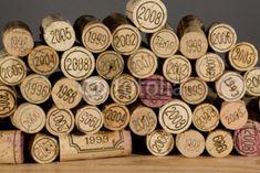 Utiliser un bouchon en liège pour allumer votre feu Allumer un feu n'est pas toujours facile. Récupérez un maximum de bouchons en liège et laissez les tremper dans un bocal hermétique pendant 1 à 2 mois remplit de vinaigre d'alcool (vinaigre blanc) ou de l'alcool à 90°. Ces bouchons imbibés d'alcool sont encore plus efficace que la plupart des allumes feu traditionnels et peu coûteux.