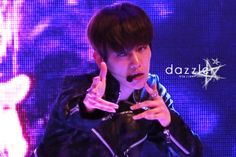 12.05.06 at the CBS public broadcasting of the Rape Flower Festival (Cr: dazzler: http://19920506.co.kr)