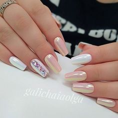 Having short nails is extremely practical. The problem is so many nail art and manicure designs that you'll find online Nude Nails, Nails Polish, Pink Nails, Glitter Nails, Acrylic Nails, Gel Nails, Nail Nail, Fabulous Nails, Gorgeous Nails