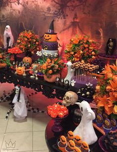 10 Awesome Halloween Decorations to try - Life Is Fun Silo Halloween Dessert Table, Halloween Candy Bar, Mickey Halloween Party, Scary Halloween Decorations, Halloween Desserts, Halloween Party Decor, Holidays Halloween, Baby Halloween, Halloween Themes