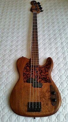 Custom Bass Guitar, Custom Guitars, Guitar Tips, Guitar Lessons, Bass Ukulele, Bass Guitars, Guitar Exercises, Guitar Photos, Guitar Photography