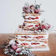 Alternative wedding cake ,waffle wedding cake #weddingcake #cake #weddingideas #wedding #weddingcakes