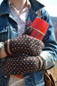 Edmonton Mittens by Kate Gagnon Osborn in The Fibre Co Road to China