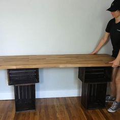 Diy Office Desk, Home Office Decor, Diy Home Decor, Diy Wood Desk, Diy Desk, Diy Crafts Desk, Pallet Desk, Crate Desk, Sewing Desk