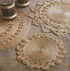 Jute Pattern Rugs - I want to see if I can recreate this. Maybe instead of circles, use squares or rectangles. Burlap Crafts, Diy And Crafts, Rope Rug, Sisal Rope, Hemp Yarn, Sewing Crafts, Creations, Rugs, Circles