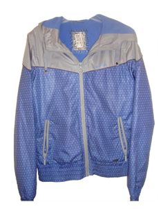 Chaqueta con capucha Pull and Bear 17.00€