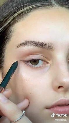 Cute Makeup Looks, Makeup Eye Looks, Pretty Makeup, Makeup Tutorial Eyeliner, Makeup Looks Tutorial, Natural Eyeliner Tutorial, Natural Makeup Look Tutorial, Simple Makeup, Easy Makeup