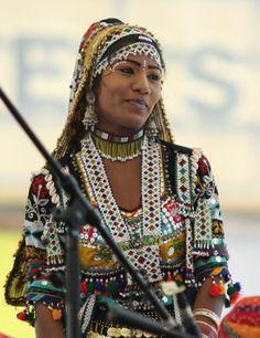 my-hindi-alma:  kalbelia dancer - india
