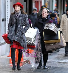 shopping spree....I hope this photo was staged, because this is just mean ;-o