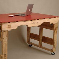 Современный стол из поддонов