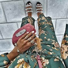 Have to have my daily dose of Hope you had a great weekend, babes! Flat Shoes Outfit, Street Chic, Street Style, Girl Fashion, Womens Fashion, Fashion Tips For Women, Insta Pic, Looks Great, Personal Style
