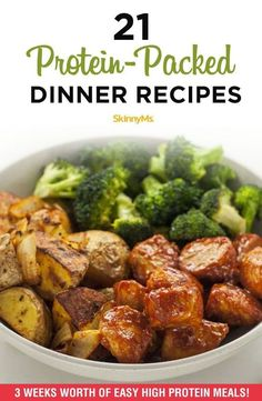 Whether you re on a low-carb diet or just looking to curb your cravings these protein-packed dinner recipes are the best way to create a delicious and balanced dinner highprotein lowcarb dinnerrecipes skinnyms Easy High Protein Meals, High Protein Dinner, Protein Lunch, Healthy Protein Snacks, High Protein Low Carb, High Protein Recipes, Low Carb Diet, Easy Meals, Healthy Recipes