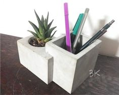 Concrete Flower Pot It is entirely 100% handmade and ready to use. Our design is suitable to be used in places such as bedrooms, living rooms, offices, restaurants and cafes decorations. A masterpiece of minimal architecture. This is a flexible, minimalist and modern design that offers different Diy Cement Planters, Concrete Crafts, Concrete Projects, Concrete Planters, Wall Planters, Concrete Furniture, Succulent Planters, Urban Furniture, Succulents Garden