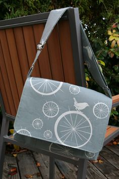bike bird messenger bag