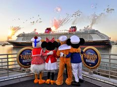 Welcome home, Disney Fantasy! Hundreds greeted the Disney Cruise Line ship this morning when she sailed into Port Canaveral, the home port for her Caribbean sailings starting March Check out the photos of the long-awaited homecoming. Disney Cruise Line, Disney Fantasy Cruise, Disney Cruise Pictures, Disney Dream, Disney Magic, Walt Disney, Orlando Disney, Cruise Vacation, Disney Vacations