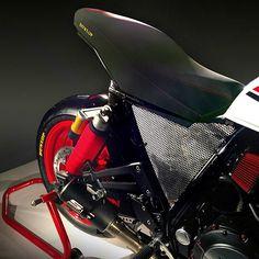 XJR PATTON by Christian Bagutti - Italy  - Yamaha XJR 1300 #christianbagutti #bagutti #yamaha #yamahaxjr #xjr1300 #xjr #xjrpatton #special #caferacer #naked #flattrack #track #ohlins #brembo #domino #scproject #k&n #dunlop #motogp #xeno #rizoma   XJR PATTON è la versione personalizzata della gloriosa e monumentale Yamaha XJR 1300. Ideatore ed in parte realizzatore di questa affascinante versione Special è l'italiano CHRISTIAN BAGUTTI, appassionato delle due e quattro ruote nonché fondatore…