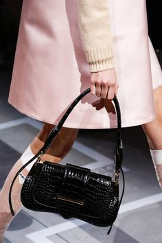 e523740e4aad Prada Spring 2019 Ready-to-Wear collection, runway looks, beauty, models