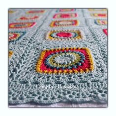A close up of my first circle of friends blanket, most definitely one of my most favourites to make  #daisyboocreations #daisyboo #circleoffriends #priscillahewitt #crochet #crochetaddict #crocheting #crochetlovers #crochetgram #crochetersofinstagram #stylecraftspecialdk