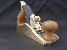 Lazarus Handplane Co. Woodworking Planes, Woodworking Hand Tools, Woodworking Ideas, Router Plane, Wood Plane, Carpenter Tools, Wood Carving Designs, Antique Tools, Woodworking