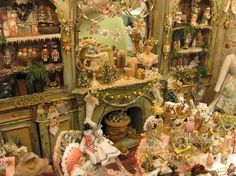 Miniatures by Sandra - absolutely incredible Christmas room, follow the link because the details will amaze you.