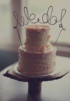 wire cake topper, easy to make. And cheap!