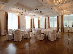 Heiraten im stilvollen Ambiente des Grand Resort Bad Ragaz. Von Blumenschmuck, über Styling bis Fotografen bieten wir alles für eine perfekte Hochzeit.