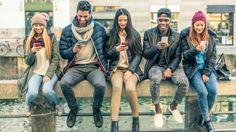 La dependencia a los teléfonos inteligentes está llegando a tal extremo que muchas personas están recurriendo a la pantalla cada cuatro minutos durante el día. ¿Eres tú una de ellas?