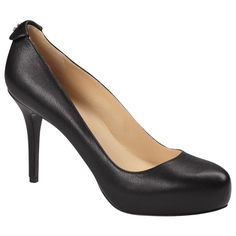 Classic black leather pump with a back ~ETS Pretty Shoes, Cute Shoes, Casual Work Shoes, Work Pumps, Material Girls, Black Shoes, Shoe Boots, Peep Toe, Black Leather