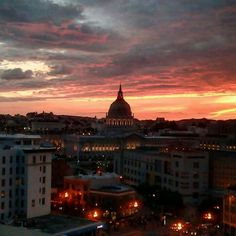 #SanFrancisco The #FireSky of #SanFrancisco on our #night tour.  #friendlylocalguides #sanfranciscosky #sf #sfguide #redsky #sanfranciscotour #sanfranciscotourism #california #sanfranciscotravel