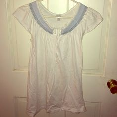 White shirt :) Cute capped sleeved white tshirt! :) Old Navy Tops